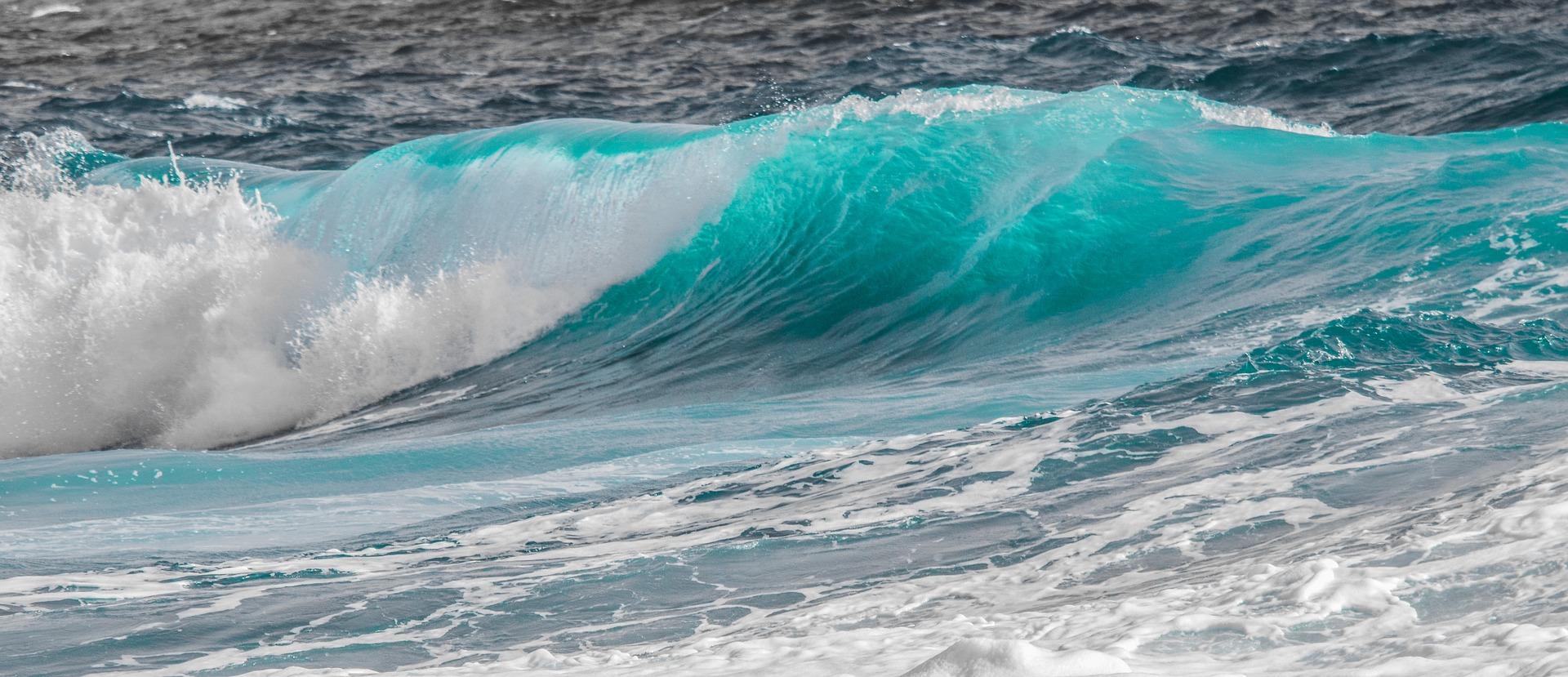 türkisblaue Wellen